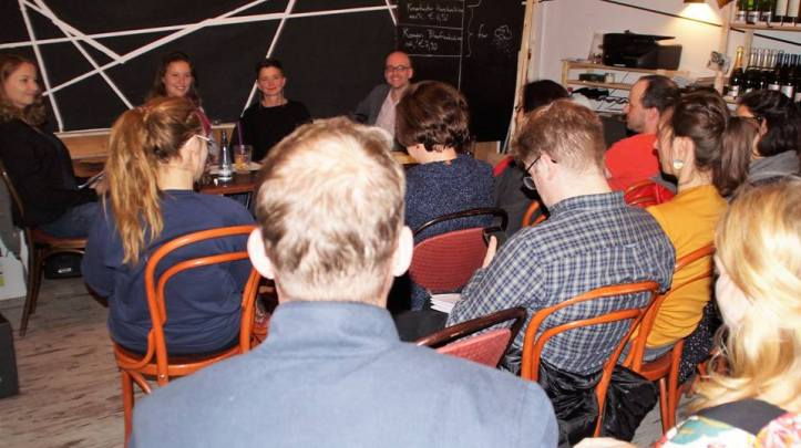 Kati Simon representing Critiqiue&Cultre at the discussion offenes berlin organized by minor